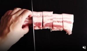 Kho thịt bằng nồi cơm điện: Ngon cấm cãi!