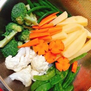 2 cách ăn rau củ luộc, cách nào cũng ngon