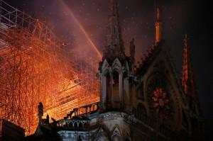 Có thể khôi phục Nhà thờ Đức Bà hay không?