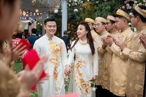 Đám cưới khủng ở Hưng Yên: Mời Đan Trường về hát, mặc áo thêu chỉ vàng, rạp cưới tốn 2 tỷ