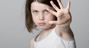 Dạy trẻ cách tự vệ khỏi bị sàm sỡ khi chỉ có 1 mình