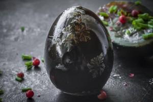 Trứng thế kỷ - món đặc sản lâu đời và kì dị