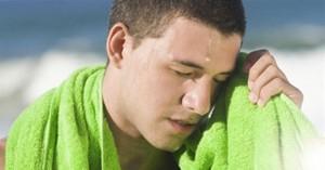 Đừng chủ quan: Đã có trường hợp ngất, tử vong trong ngày nắng nóng vì bị 2 bệnh nguy hiểm này