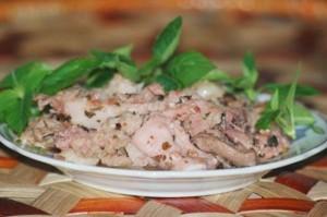 Thịt lợn sống muối chua: Tưởng kinh dị mà ngon không tả của người Dao