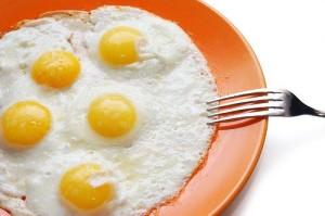 Ăn trứng gà sai cách có thể nảy sinh độc tố