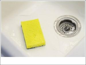3 mẹo giúp làm sạch bồn rửa bát như vừa mới mua