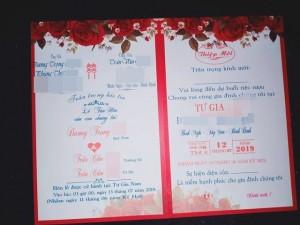 Hình ảnh tấm thiệp cưới ghi tên một chú rể nhưng có đến 2 cô dâu là chị em ruột khiến nhiều người xôn xao