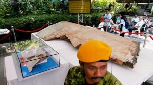 Sự thật về MH370: Vỡ tan như 'pháo hoa'?