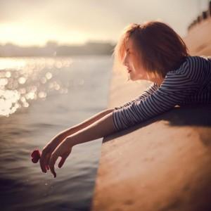 18 điều giúp chị em  phụ nữ bước qua cảm xúc tiêu cực