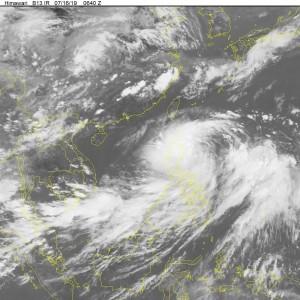 Bão Danas tiến vào biển Đông, yêu cầu khẩn trương ứng phó