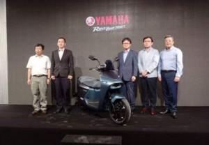 Chính thức chốt giá bán xe ga điện mới Yamaha EC-05