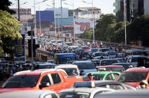 Đề xuất thu phí ô tô vào nội đô: Bộc lộ nhiều điểm bất hợp lý