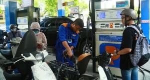 Giá xăng tiếp tục