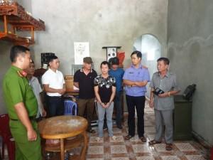 Kẻ có 3 tiền án diễn lại cảnh dùng côn nhị khúc siết cổ nữ sinh giao gà ở Điện Biên