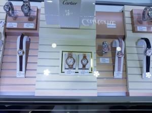 Quảng Ninh: Phát hiện lượng lớn hàng hóa có dấu hiệu giả mạo tại 2 trung tâm mua sắm