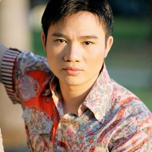 Ca sĩ Quang Linh: Hát một bài mua 4 căn nhà, 54 tuổi vẫn