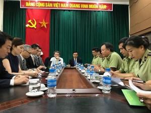 Chưa có mặt ở Việt Nam, Uniqlo đã bị làm giả, làm nhái
