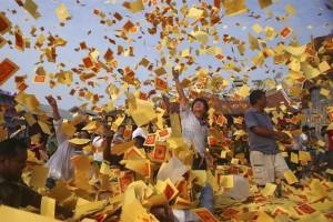 Đốt vàng mã cúng Rằm tháng 7 thế nào cho đúng?