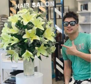 Ông chủ 9X chi 10 triệu/tháng mua hoa về bày, chị em kêu trời