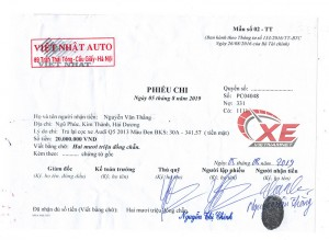 Showroom ô tô Việt Nhật bán xe bị tai nạn, phải trả tiền cọc cho khách hàng