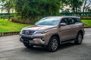 Thị trường ô tô tháng 8: SUV 7 chỗ đua nhau giảm giá 'kịch sàn'