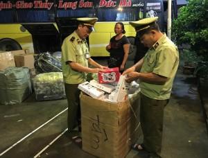 Thu giữ 1.120 bánh ngọt nhân trứng nhập lậu từ Trung Quốc vào Lạng Sơn