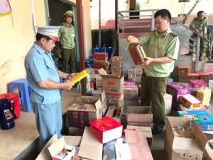 Thu gom thịt gà đóng túi, xúc xích từ người không rõ địa chỉ tại Lạng Sơn về các tỉnh bán