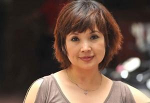 Trước NSND Lan Hương, nhiều mỹ nhân Việt lộ nhan sắc kỳ lạ và đây là lý do