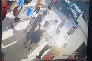 Vụ cháu bé lớp 1 tử vong trên xe đưa đón: Chiếc áo màu đỏ cháu mặc khi lên ô tô đến trường đang ở đâu?