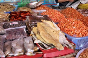 Dùng thuỷ hải sản khô, cẩn trọng với chất bảo quản độc hại