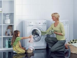 Luôn đóng cửa máy giặt sau khi giặt xong để tránh bụi, sai lầm tai hại đến khi nhận ra thì đã quá muộn