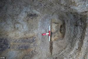 Phát hiện rùng rợn về 'ngôi mộ của hồn ma' 1.400 tuổi