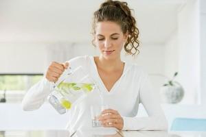 Bất ngờ lớn: Uống nước lọc theo lịch, chị em có thể giảm cân