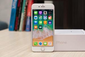 iPhone SE 2 với