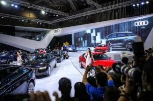 Ô tô giảm giá mạnh hàng trăm triệu đồng/chiếc, gần 30 nghìn người Việt bỏ tiền mua xe