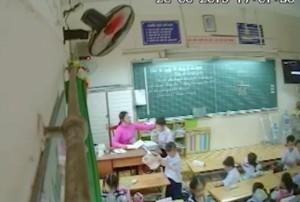 Vụ cô giáo đánh, kéo tai học trò: Hội phụ huynh bàn cách tìm bằng chứng, lén đặt camera