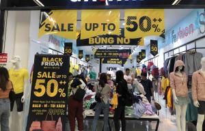 Chưa tới Black Friday, nhiều cửa hàng tung chiêu bán hàng