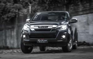 Loạt xe bán tải này đang giảm giá 'siêu mạnh' tại Việt Nam, có chiếc giảm 160 triệu đồng