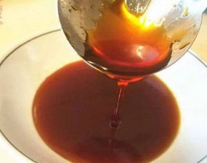 Nấu nước hàng, đừng chỉ cho mỗi đường, thêm chút này nước hàng sẽ vàng óng, thơm ngon