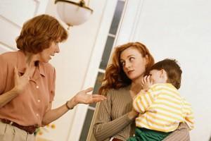 Những lỗi của mẹ chồng mà nàng dâu khó lòng tha thứ