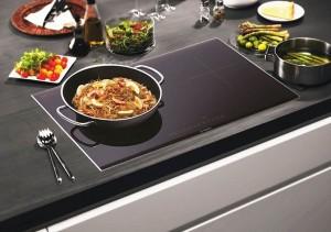 Sai lầm khi sử dụng bếp điện khiến tiền điện tăng vọt, bếp nhanh hỏng