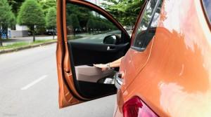 Cảnh báo những điều tài xế hay quên nhất khi tắt máy đỗ xe ô tô làm xe nhanh hỏng, trộm nhòm ngó