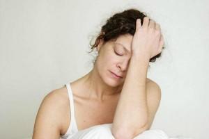Những nguyên nhân thường gặp gây rụng tóc mà bạn không ngờ đến