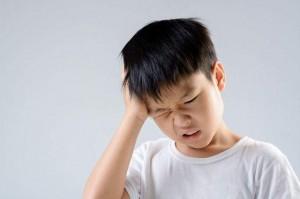 Cậu bé 8 tuổi bị đau tai, đi khám bác sĩ sốc khi phát hiện có