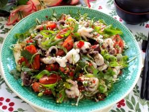 Trổ tài làm gỏi bạch tuộc kiểu Thái ngon xuất sắc, ai ăn cũng mê tít