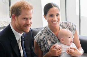 Hoàng tử Harry - Một người đàn ông 35 tuổi quyết định ra riêng để xây dựng tổ ấm có đáng bị mọi người lên án gay gắt như vậy không?
