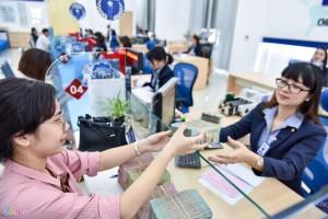 Thưởng Tết 5-7 tháng lương, nhân viên ngân hàng vẫn hụt hẫng