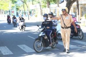 Xử phạt xe không chính chủ: Đi xe của người thân bị xử phạt là không chính xác