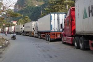 Nông sản ùn ứ tại cửa khẩu: Khuyến nghị nông dân điều tiết sản lượng