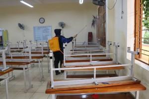 Bộ GD&ĐT kiến nghị Thủ tướng Chính phủ hỗ trợ các cơ sở giáo dục bị ảnh hưởng bởi COVID-19